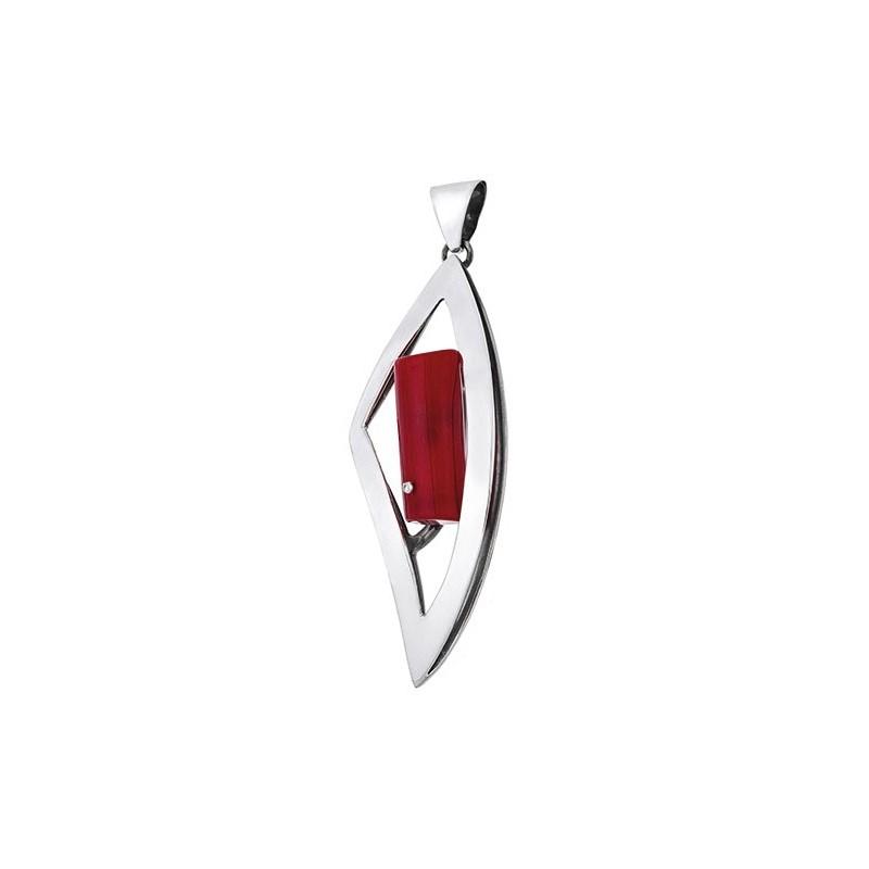 Ładny dłuższy wisiorek ze srebra 925 w trójkątnym kształcie z czerwonym koralem.