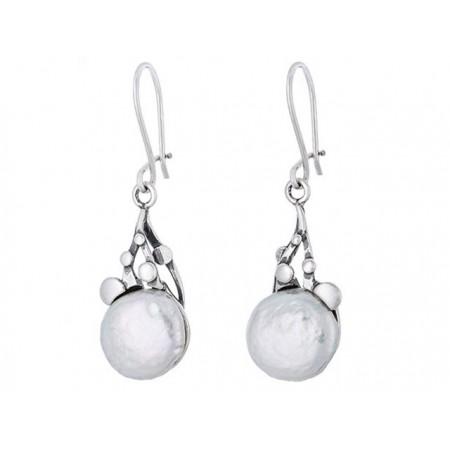 Piękne dłuższe kolczyki ze srebra próby 925 z okrągłą naturalną perłą.