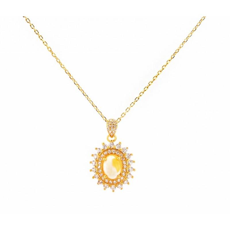 Naszyjnik ze srebra 925 pozłocony 24 karatowym złotem z ozdobną zawieszka z cyrkoniami i bursztynem w białym kolorze.