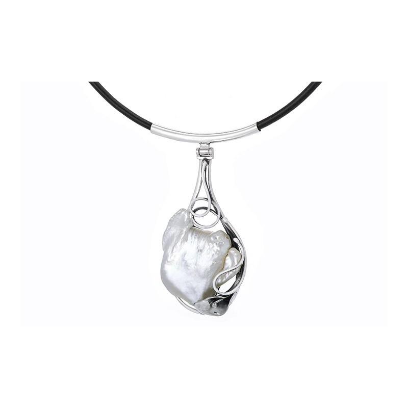 Piękny naszyjnik ze srebra 925 na rzemieniu ze skóry z zawieszką z naturalnej perły oprawionej ręcznie.