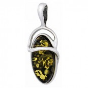 Piękny wisiorek w lekko wydłużonym kształcie ze srebra próby 925 z bursztynem w kolorze zielonym.