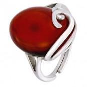 Cudny wiśniowy pierścionek ze srebra 925 z naturalnym owalnym  bursztynem i delikatnym zdobieniem.
