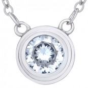Naszyjnik srebrny próby 925 jest to okrągła celebrytka z cyrkoniami.