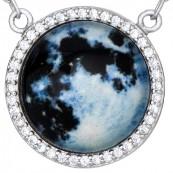 Naszyjnik srebrny 925 celebrytka z  cyrkoniami o kształcie kuli ziemskiej.