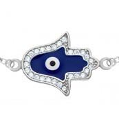 Bransoletka celebrytka ze srebra 925 z zawieszką Ręka Fatimy malowanej niebiesko-białą emalią i zdobionej cyrkoniami.