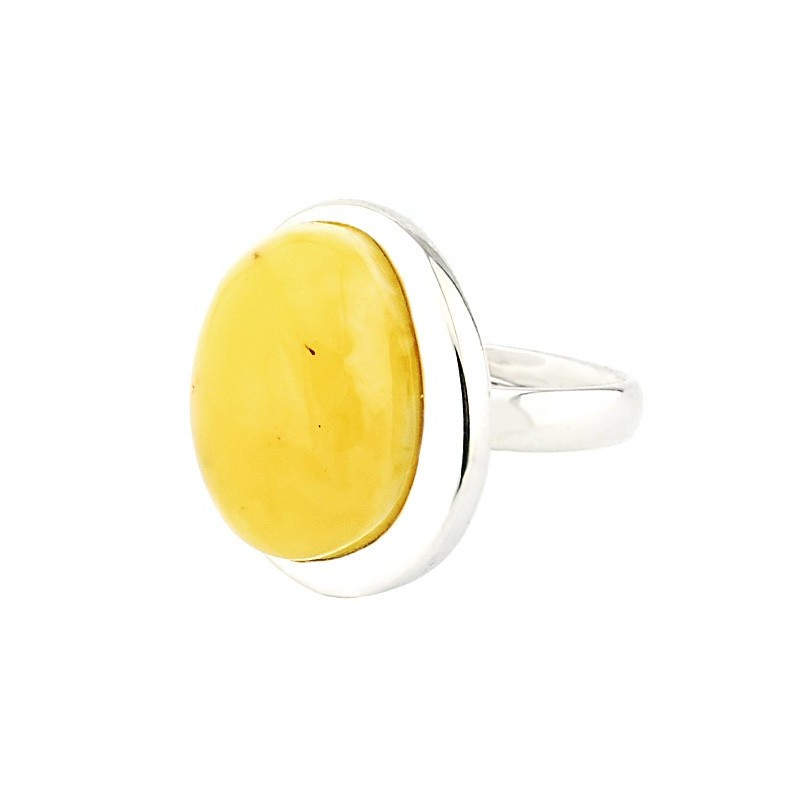 Piękny pierścionek ze srebra 925 oprawiony ręcznie w minimalistycznym stylu z mlecznym z dużym bursztynem w białym kolorze.