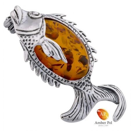 Broszka rybka ze srebra 925 z dużym bursztynem w kolorze koniaku.