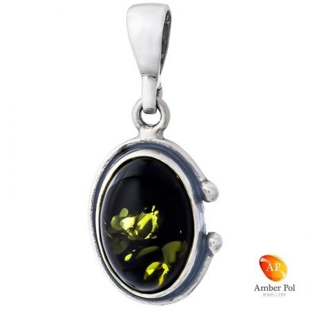 Piękny wisiorek ze srebra próby 925 z owalnym bursztynem w kolorze zielonym i delikatnymi zdobieniami.