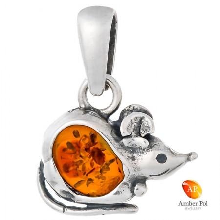 Piękny wisiorek w kształcie myszki ze srebra 925 z bursztynem w kolorze koniakowym.