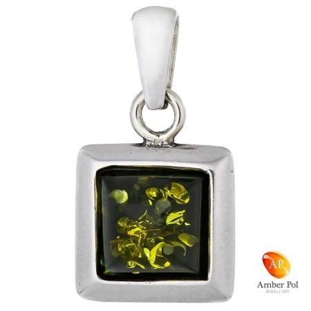 Piękny wisiorek ze srebra próby 925 z kwadratowym  bursztynem w zielonym kolorze.