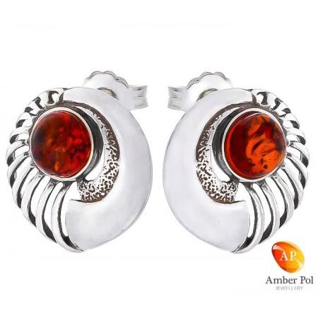 Piękne kolczyki srebrne 925   na sztyft o fantazyjnym okrągłym kształcie z koniakowym bursztynem.