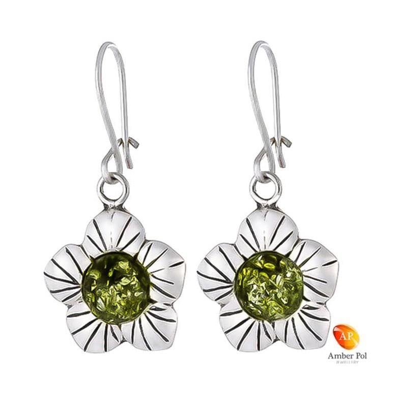 Kolczyki wiszące kwiatek z płatkami,  ze srebra 925 z zawieszką typu angielski zapinany i bursztynem  w kolorze zielonym.