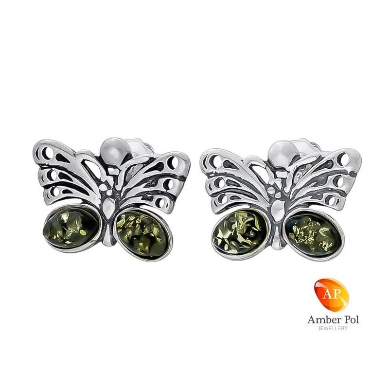 Piękne kolczyki motylki ze srebra 925  na sztyft i dwoma owalnymi zielonymi bursztynkami w skrzydełku.